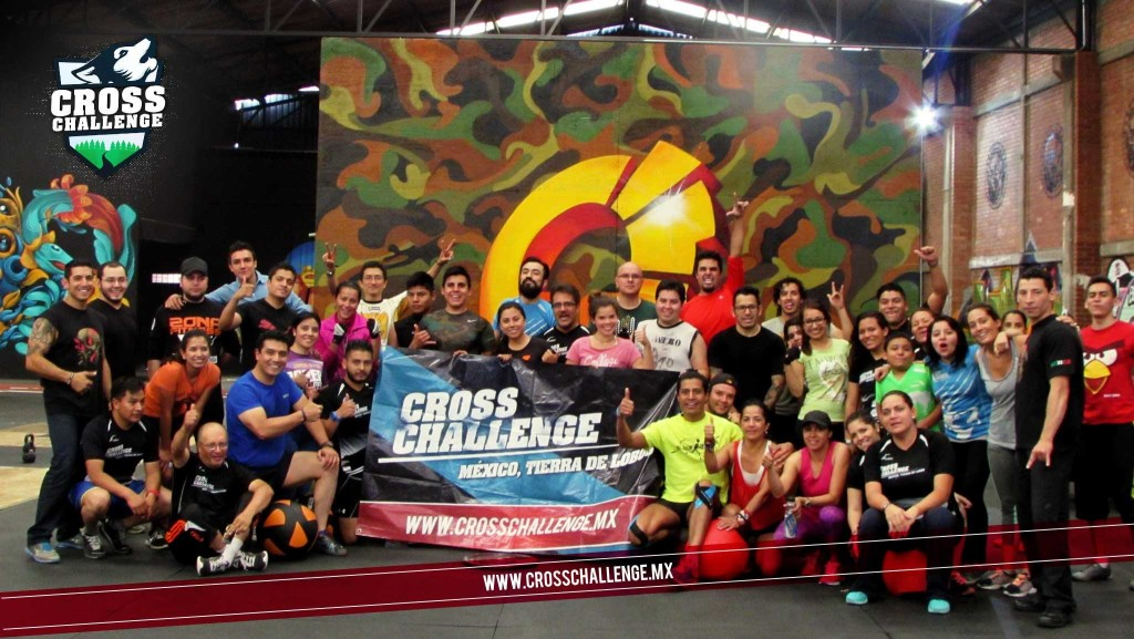 foto grupal Cross Challenge entrenamiento zona Fitness